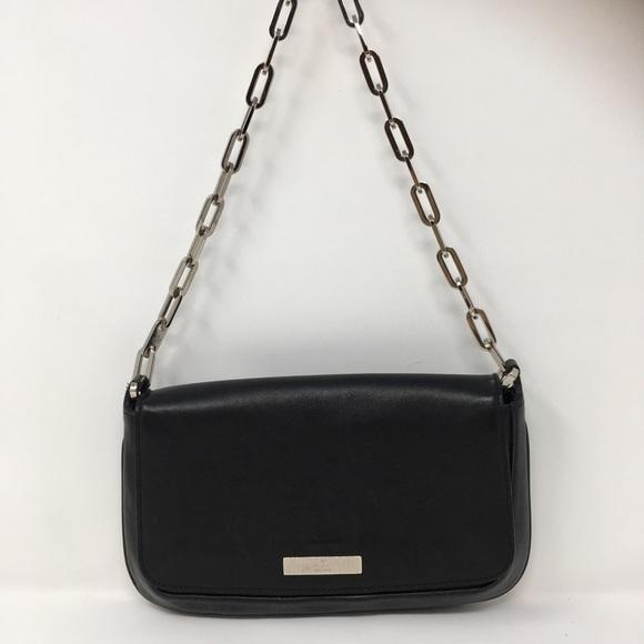 7cb28a109c9 Gucci Handbags - Authentic Gucci Chain Clutch